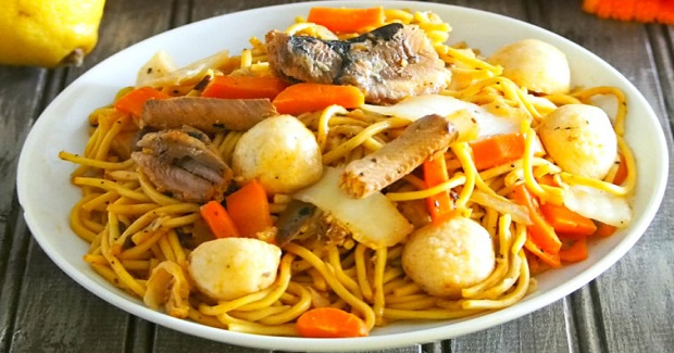 how to cook pancit canton with sauce